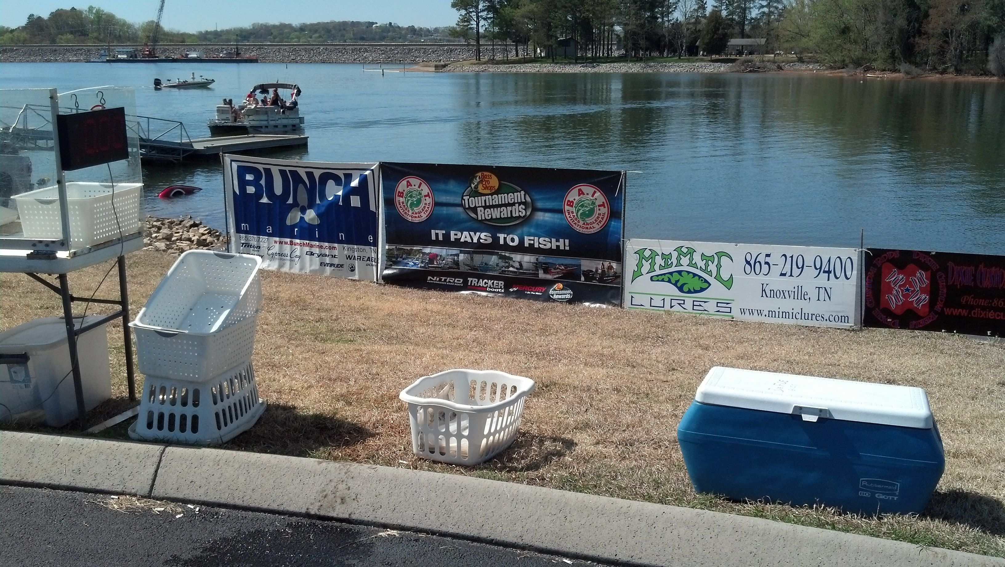 Jerry's Bait Shop Rockwood TN http://tnfishingreport.com/tournaments-and-results/tournament-results/bait-tn-ii-ft-loudoun-4-13-13/