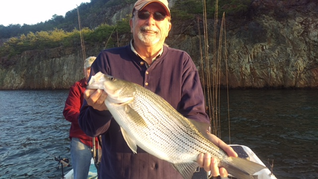 Lake and stream guide service may 2016 4 for Carters lake fishing report