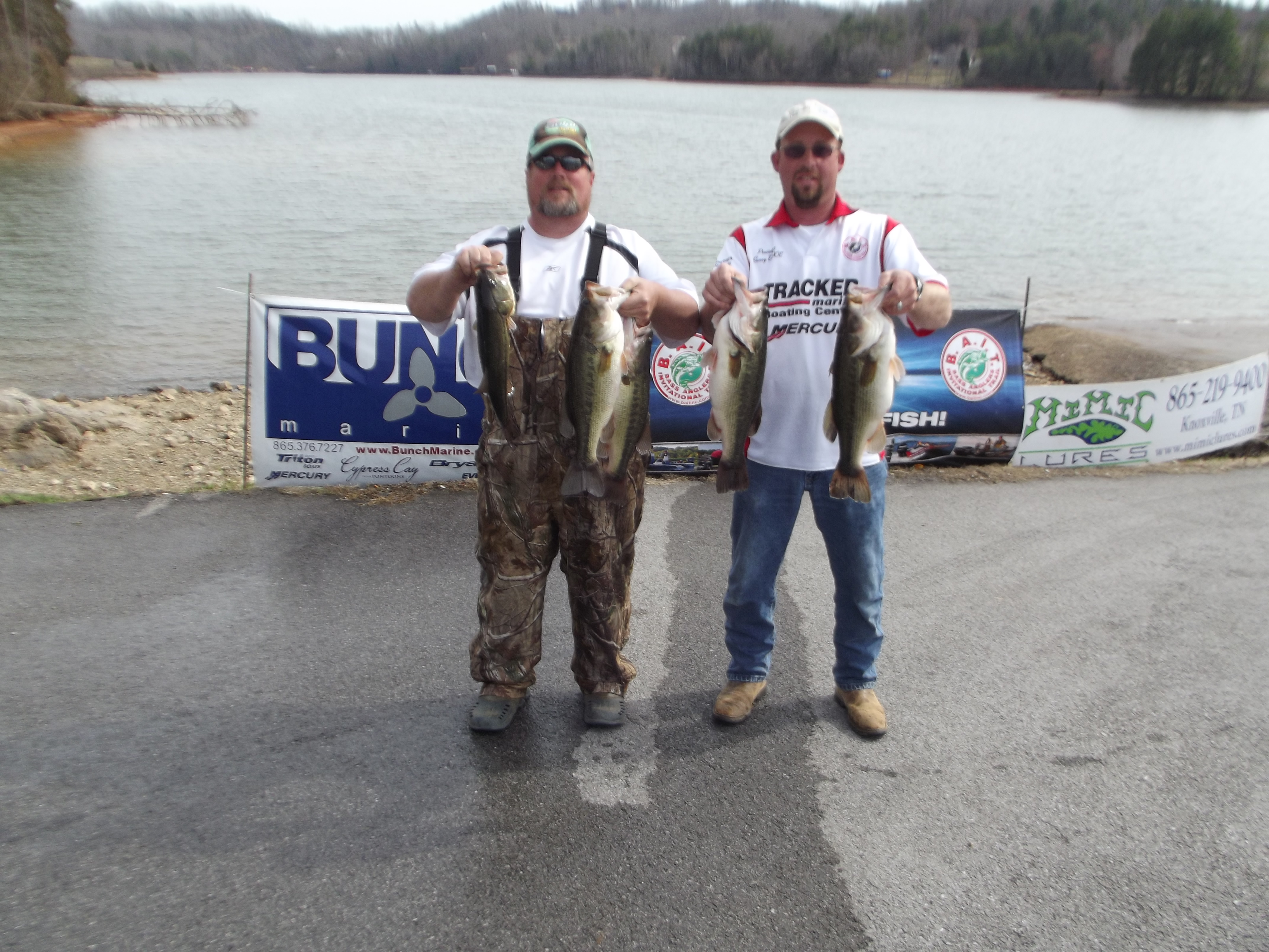 1st place tim kimsey left sunny defoe right for Watts bar fishing report