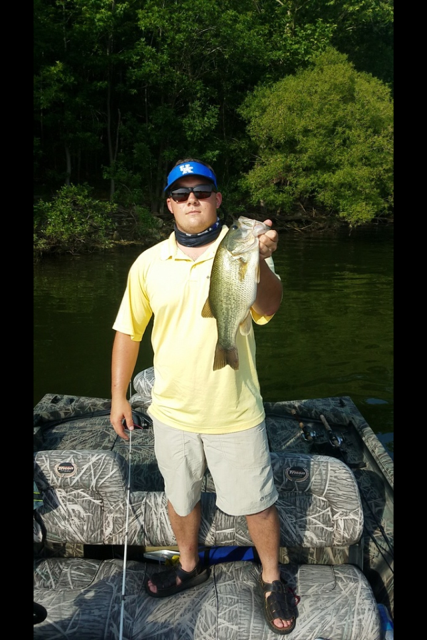 Wyatt prices barren river bass for Kentucky lake fishing report